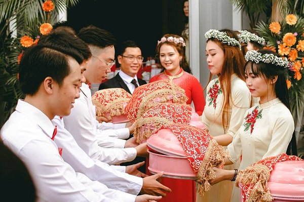 Đính hôn là gì? Những nghi thức cần chuẩn bị trong lễ đính hôn 2020