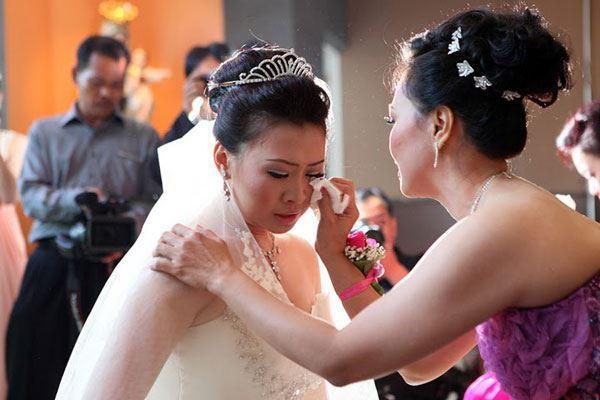 Nước mắt là điều nên kỵ để xảy ra trong đám cưới