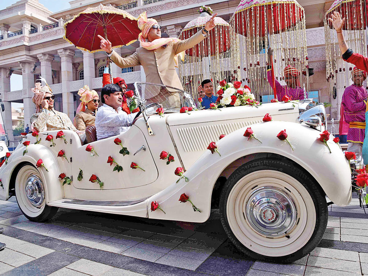 Open-top vintage cars in demand at weddings for the royal touch - Times of  India