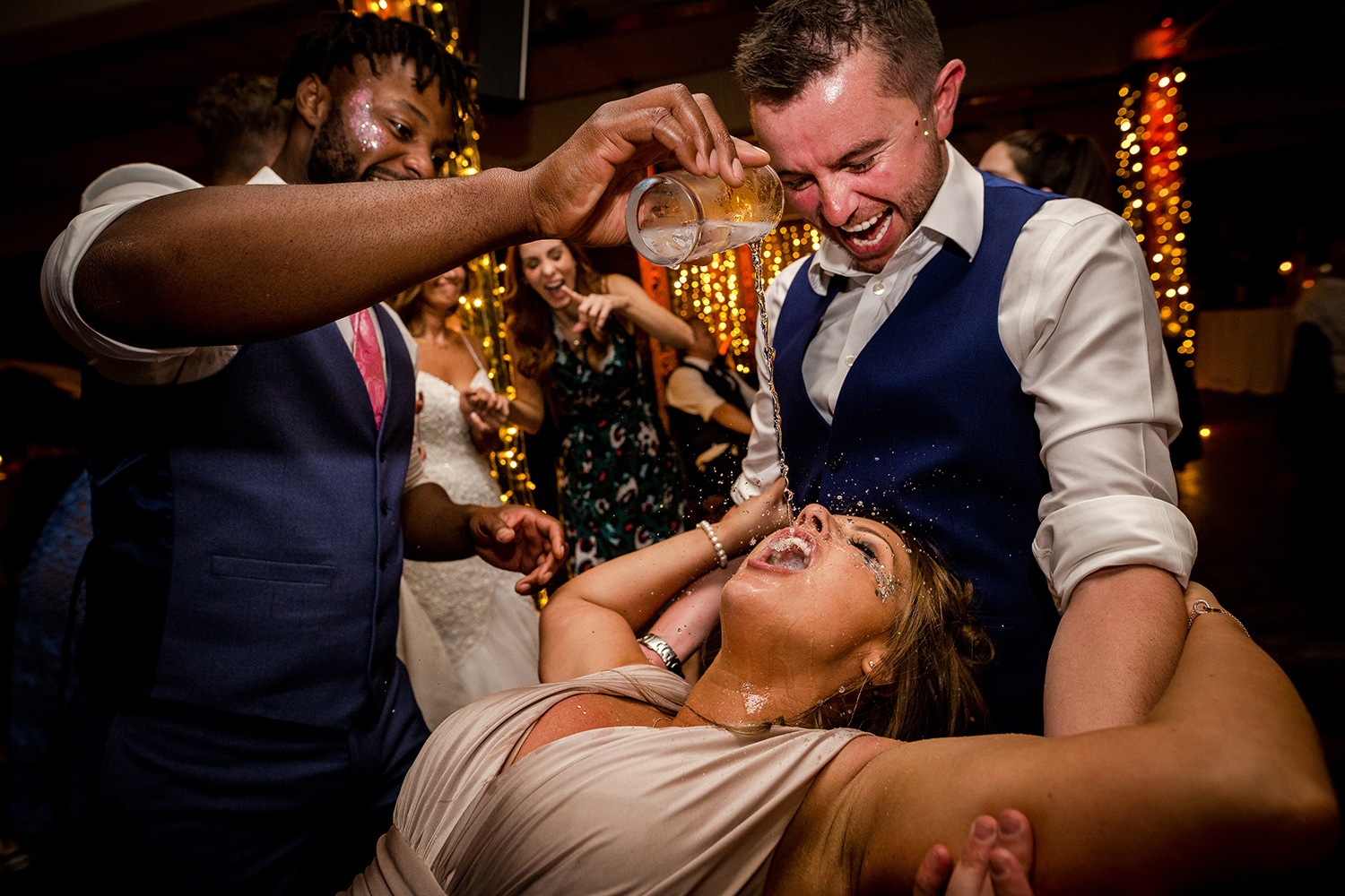 25 utterly crazy wedding party photos after the first dance